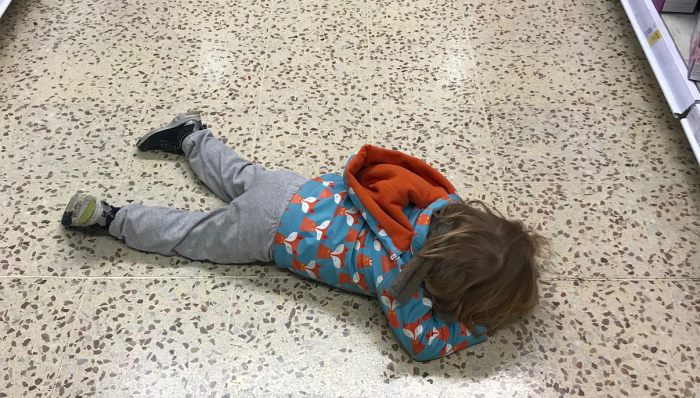 toddler_shopping_tantrum